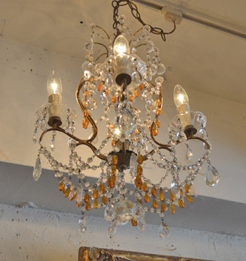 chandelier2-d8496.jpg