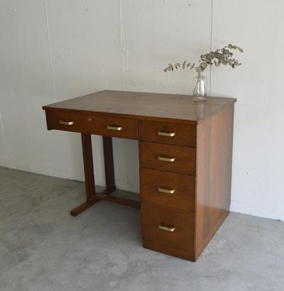 desk12.jpg