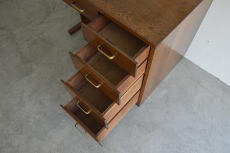 desk8.jpg