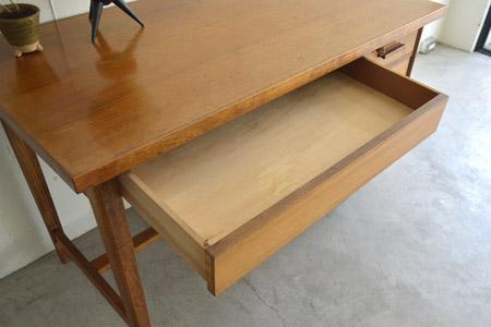 desk07.jpg