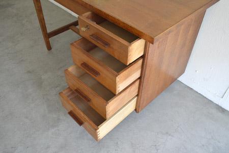 desk08.jpg